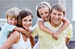 Санацином могут лечиться взрослые и дети.